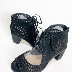 Vince Camuto Lace Up Laser Cut Heels Peep Toe 8.5